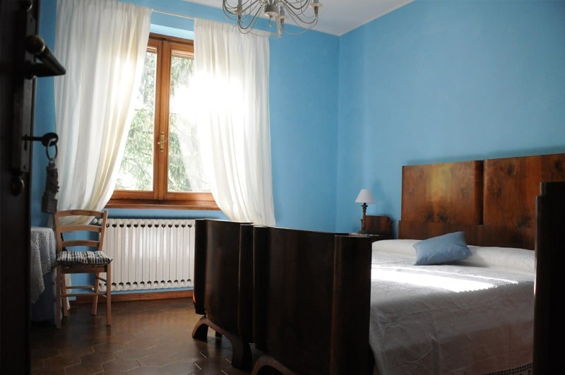 bed_and_breakfast_valtidone_il_giardino_di_laura_camera_blu_1